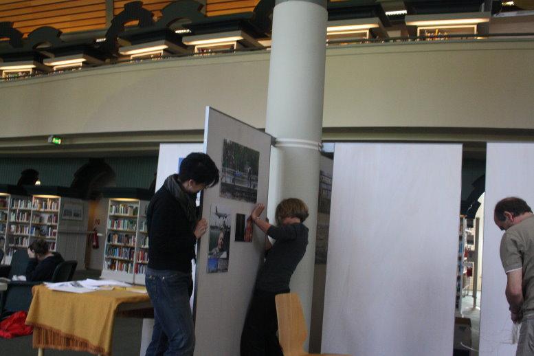 Hängen in der Humbold Bibliothek (c) Fotos von Susanne Haun