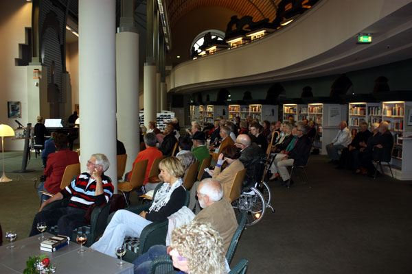 Vernissage Flughafen Berlin Tegel (c) Peggy Blankenburg