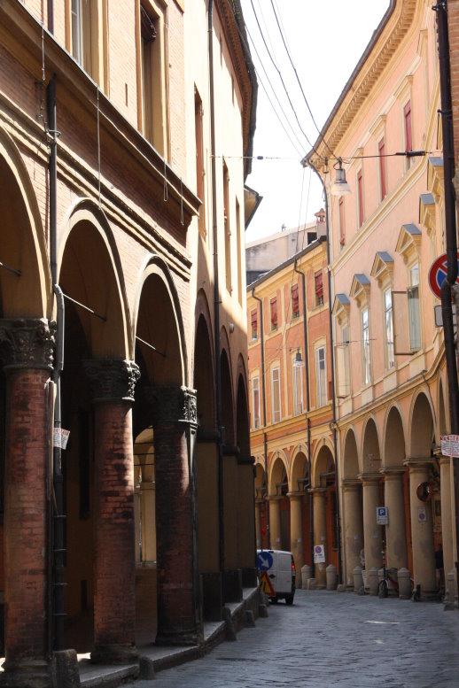 Akarden in Bologna (c) Foto von Susanne Haun