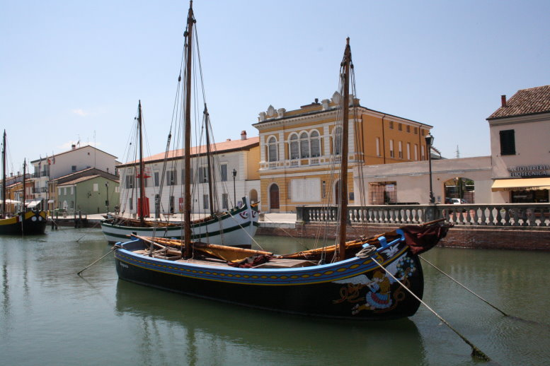 Altes Fischerboot vor dem Marinemuseum (c) Foto von Susanne Haun