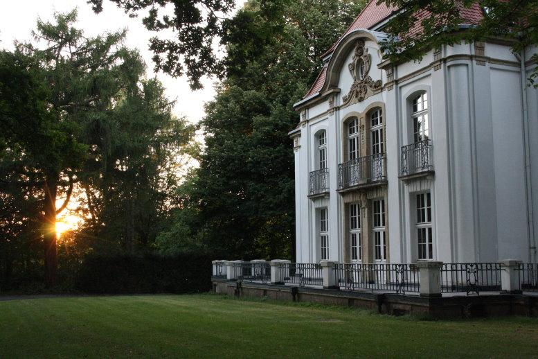 Sehr schöne Häuser stehen auf dem Gelände der Sternwarte (c) Foto von Susanne Haun