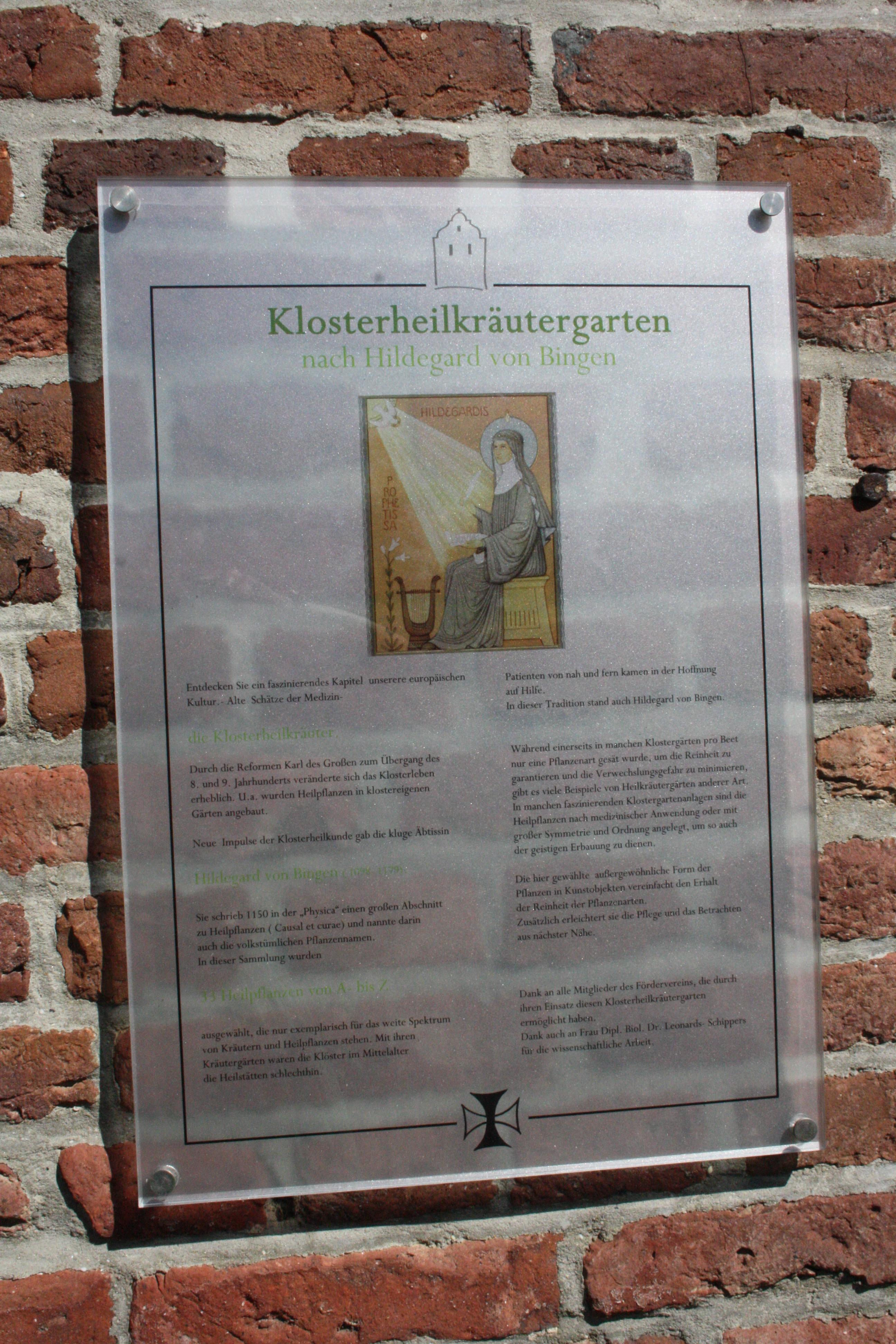Wir bleiben im Klostergarten (c) Foto von Susanne Haun