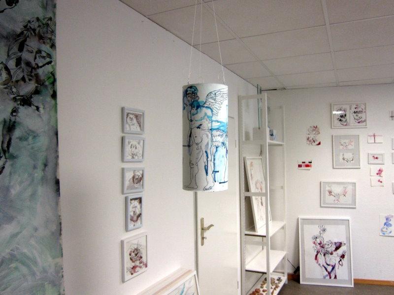 Aufgehängte Prometheus Rolle im Raum (c) Zeichnung von Susanne Haun
