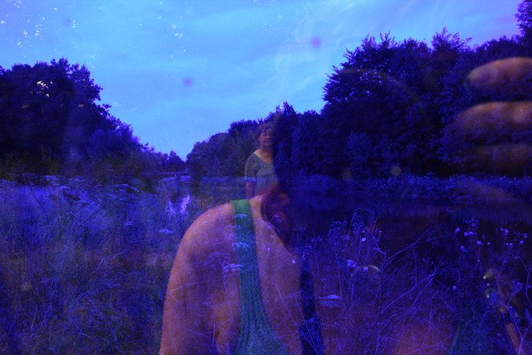 Bina und ich in alles Blau (c) Foto von Susanne Haun