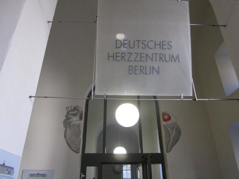 Ich mag den Eingang mit dem Herzen (c) Foto von Susanne Haun