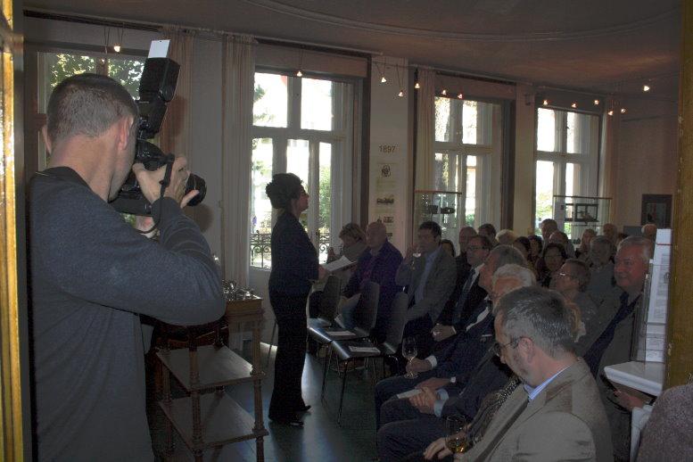 Eröffnungsrede von Frau Schuster (c) Foto von Susanne Haun