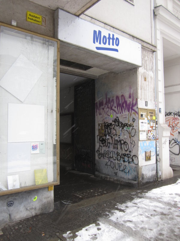 Eingang von der Skalitzer, Motto Buchhandlung (c) Foto von Susanne Haun