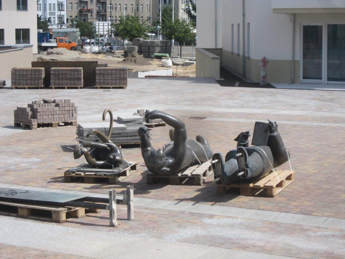 Das Denkmal der Gebrüder Humboldt demontiert - Berlin Tegel (c) Foto von Susanne Haun