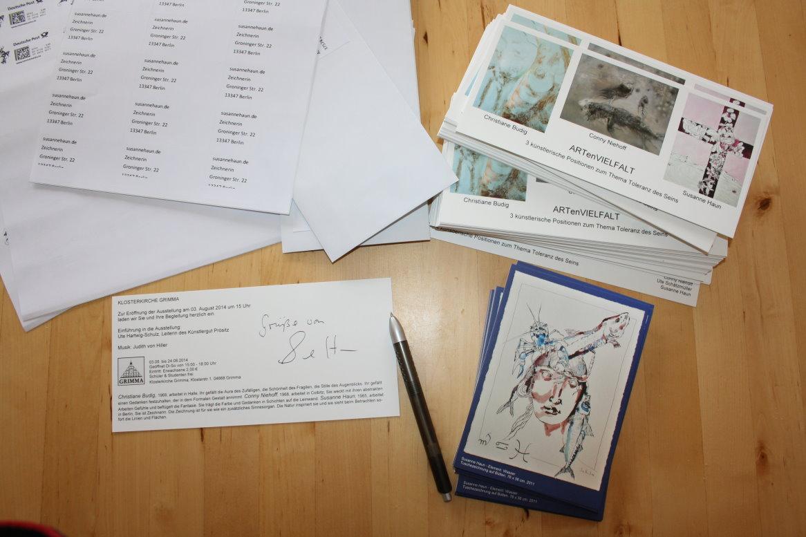 Einladungskarten schreiben für die Ausstellung in der Klosterkirche Grimma (c) Foto von Susanne Haun