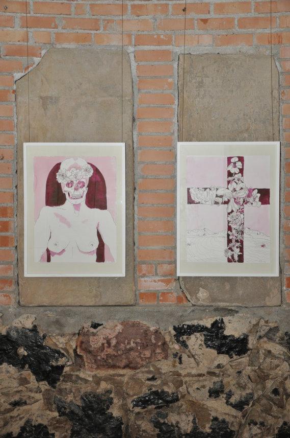 Die beiden Arbeiten von Susanne Haun sind geschaffen für die Grabplatten (c) Foto von M.Fanke