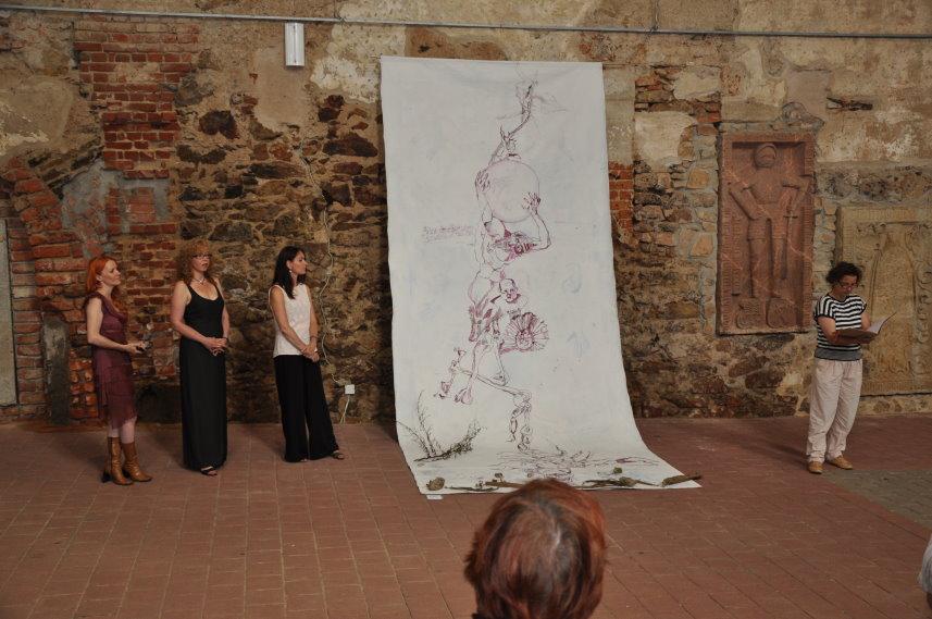 Ausstellungseröffnung durch Ute Hartwig-Schulz (c) Foto von M.Fanke