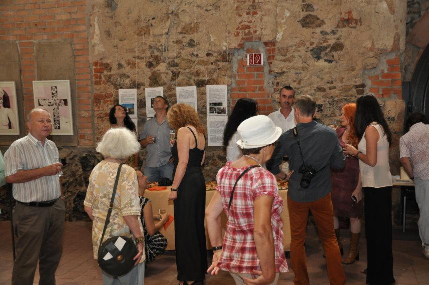 Impressionen bei der Ausstellungseröffnung Artenvielfalt in der Klosterkirche Grimma (c) Foto von M.Fanke