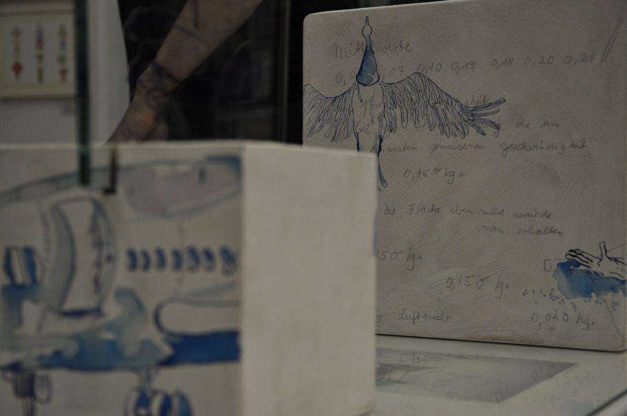 Der Traum vom Fliegen - Ausschnitt Glasobjekt von Susanne Haun (c) Foto von M.Fanke