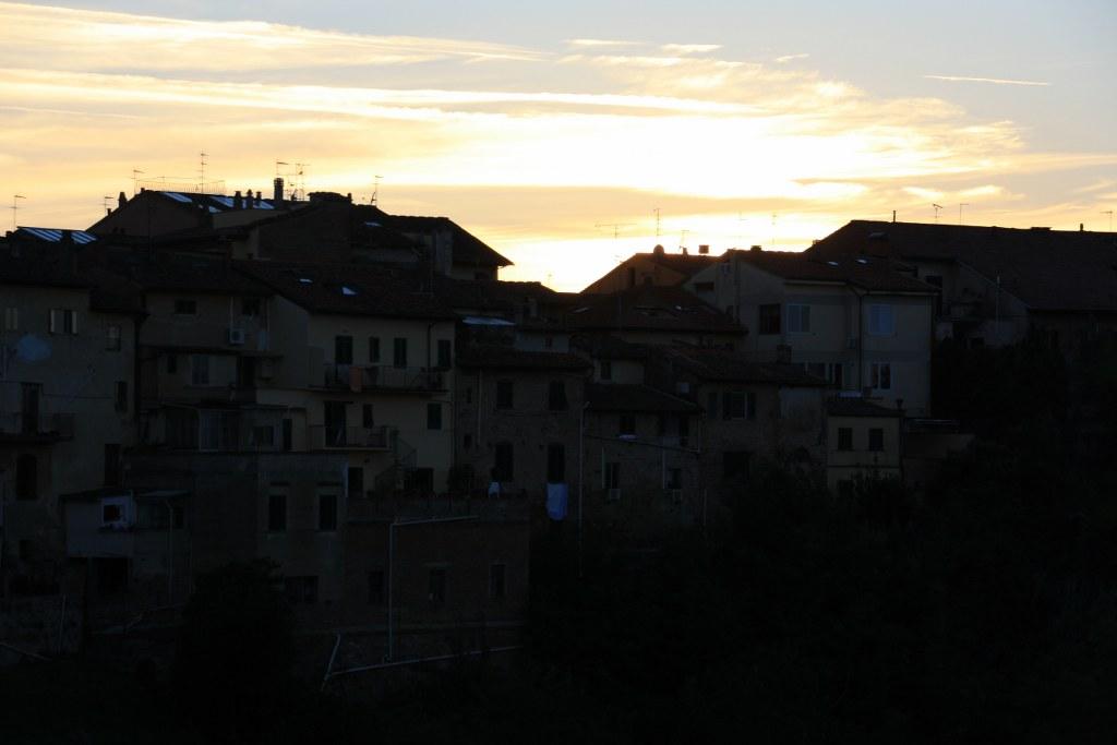 Es wird Nacht in San Miniato (c) Foto von Susanne Haun