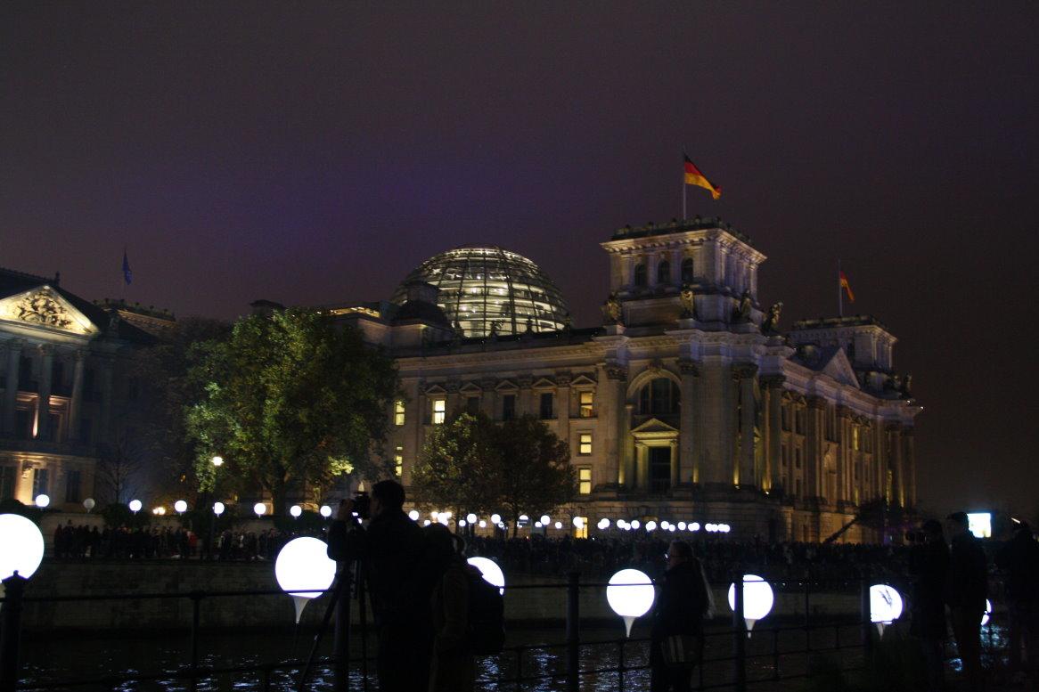 Reichstag - Ballon - Mauer - 25 Jahre Mauerfall 2014 (c) Foto von Susanne Haun