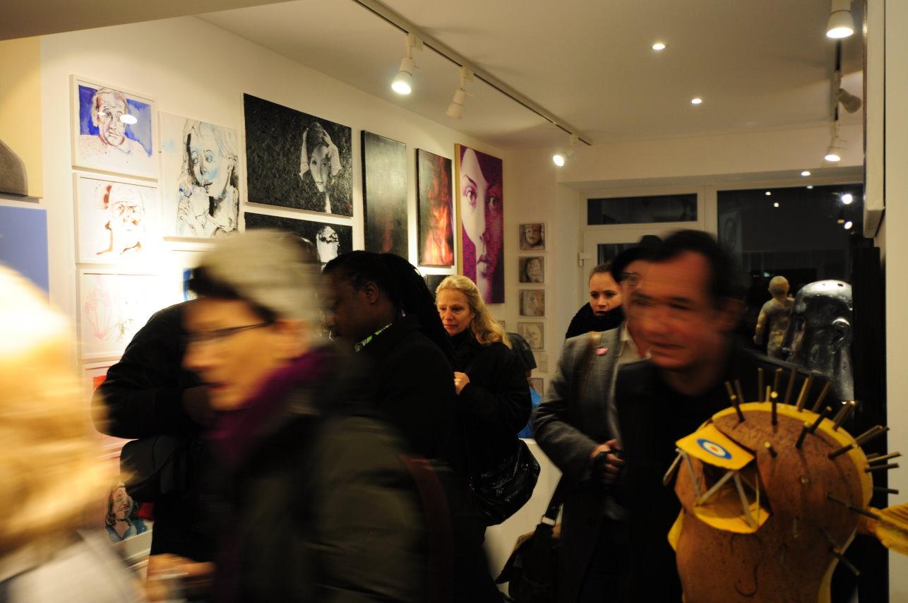 Impressionen von der Ausstellungseröffnung Köpfe mit Beteiligung von Susanne Haun (c) Foto von M.Fanke