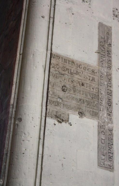 Künstlerinschrift von Johannes Gallicus im Braunschweiger Dom (c) Foto von Susanne Haun