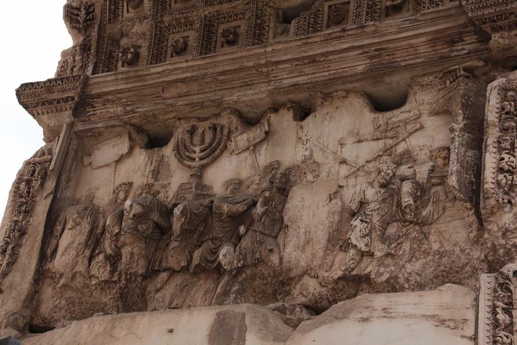 Relief der linken Innenseite des Titusbogen (c) Foto von Susanne Haun