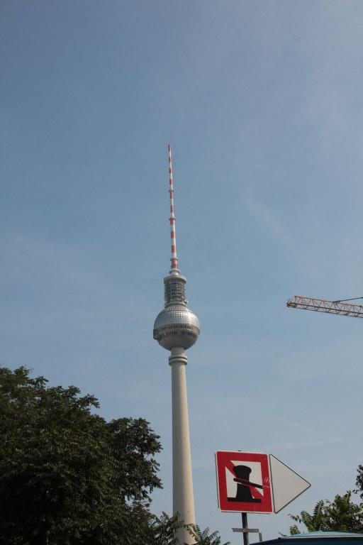 Der Berliner Fernsehturm von der Spree aus (c) Foto von Susanne Haun