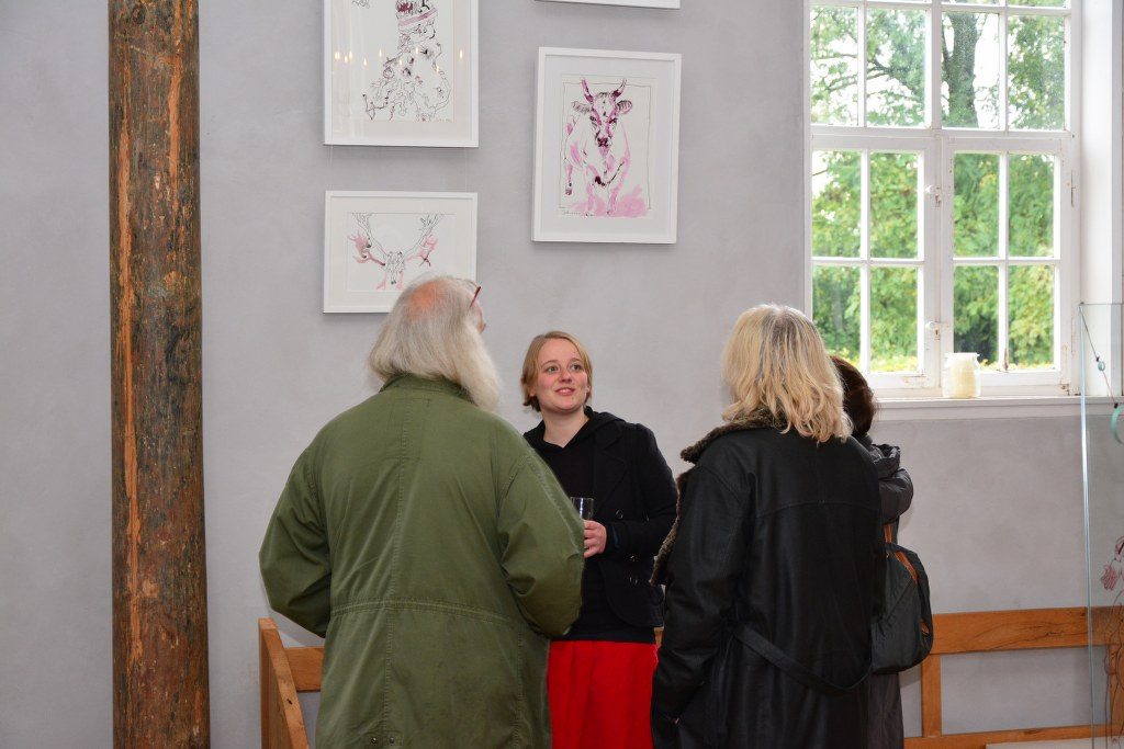 Impressionen von der Ausstellung Zeichnungen und Objekte von Susanne Haun in der Kirche Roddahn (c) Foto von M.Fanke