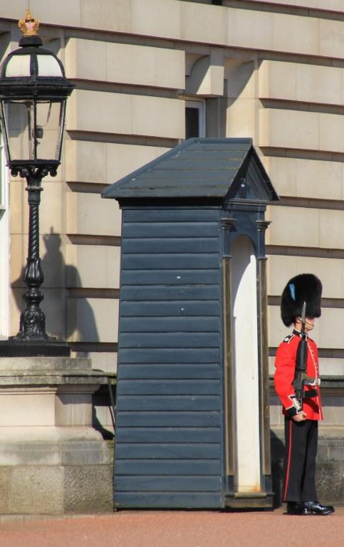 Berühmte Wachen vor dem Buckingham Palace (c) Foto von Susanne Haun