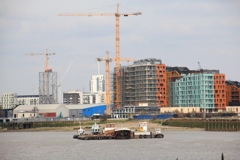Es entstehen immer noch neue Häuser an der Themse, von Greenwich aus gesehen (c) Foto von Susanne Haun