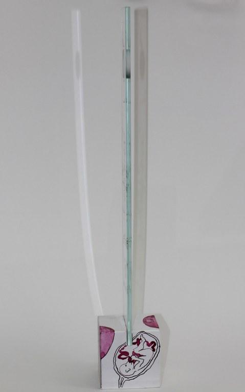#66.9 Detail die Obszönität der Vermessung der Null (c) Glasobjekt von Susanne Haun