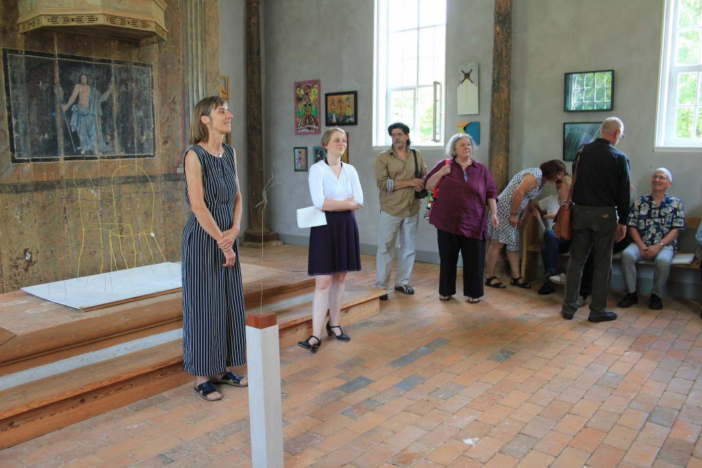Elisabeth Seyfferth und Nina Alice Schuchardt eröffnen die Ausstellung (c) Foto von Susanne Haun
