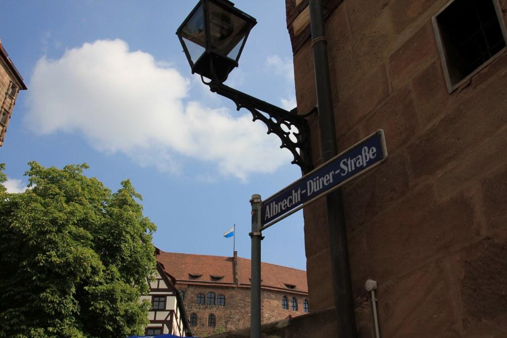 Vor dem Dürer Haus (c) Foto von Susanne Haun