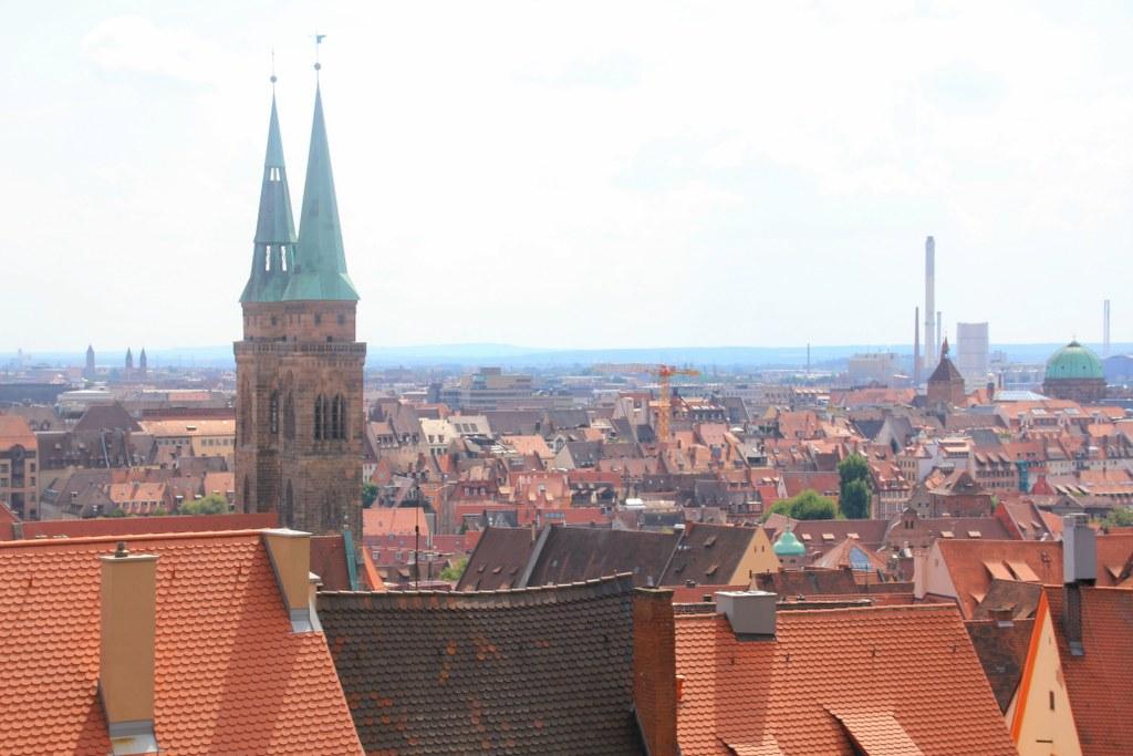 Die Türme von St.Sebald von der Burg aus gesehen (c) Foto von Susanne Haun