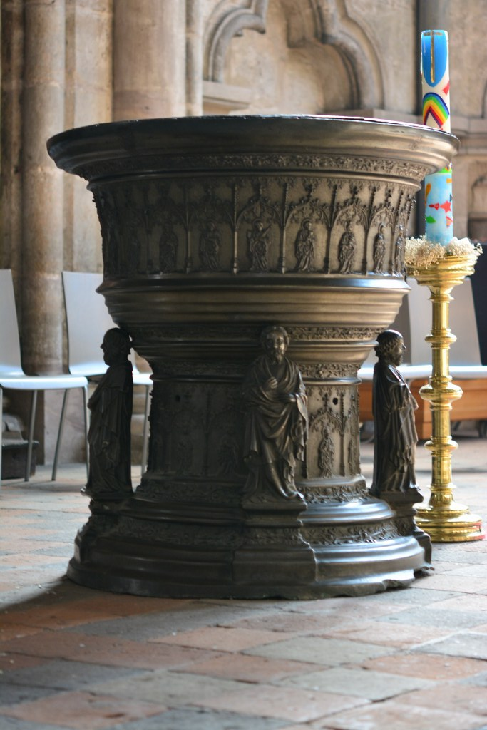 Taufbecken in St.Sebaldus (c) Foto von M.Fanke