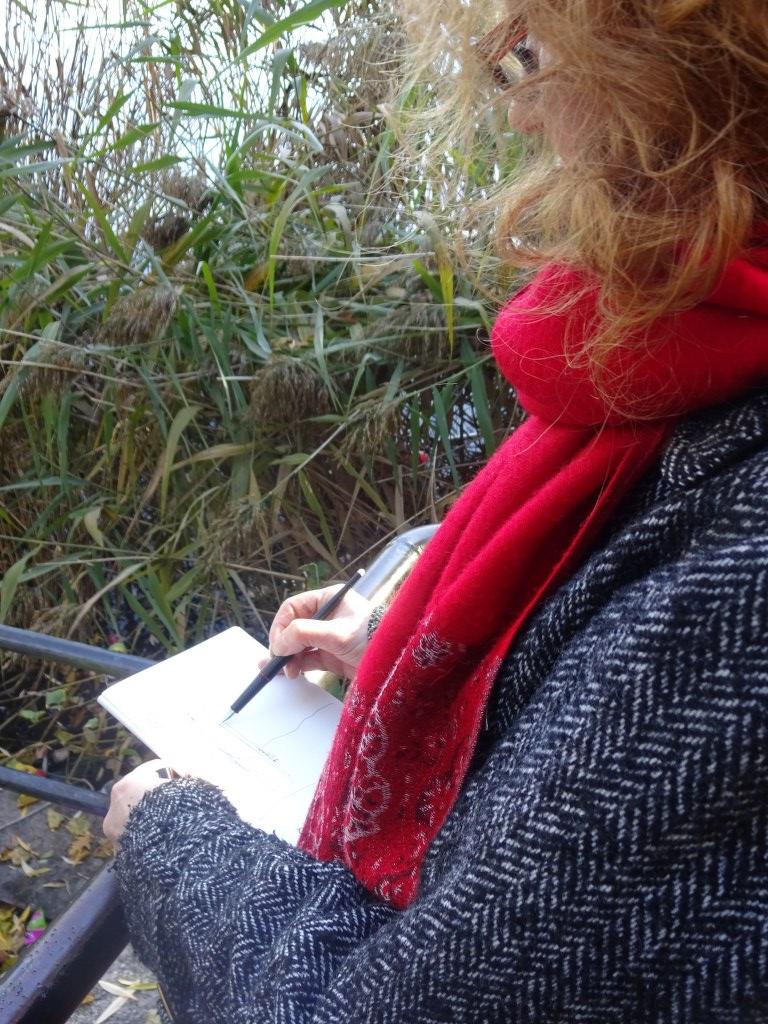 2 Susanne Haun - Zeichnen am Schäfersee (c) Foto von M.Fanke