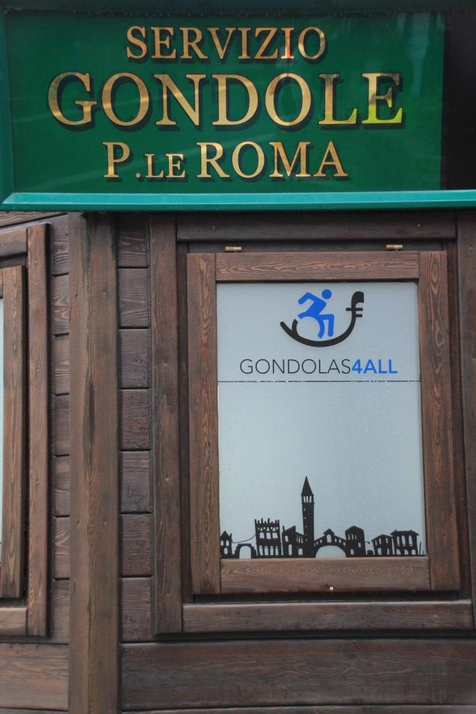 6 Überall kann der Besucher Gondeln in Venedig mieten (c) Foto von Susanne Haun