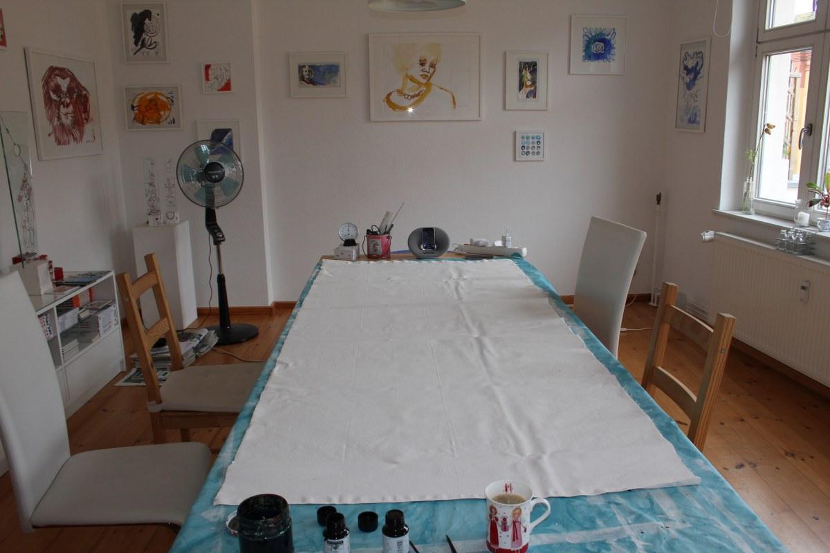 Grundierte Leinwand 215 x 95 cm (c) Foto von Susanne Haun
