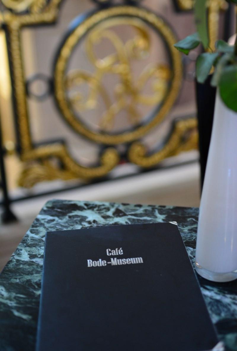 Bodemuseum - Zuerst Kaffee und Kuchen (c) Foto von M.Fanke