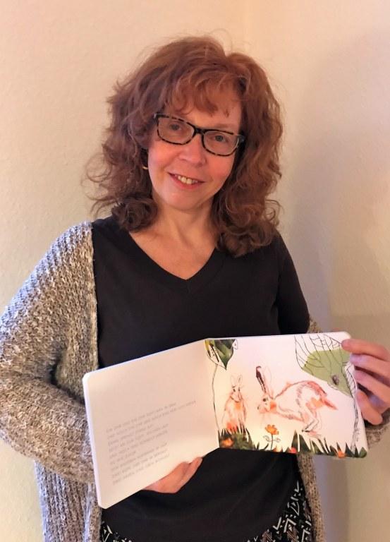 Susanne Haun mit den Landtieren aus dem Eichhörnchenverlag (c) Foto von M.Fanke