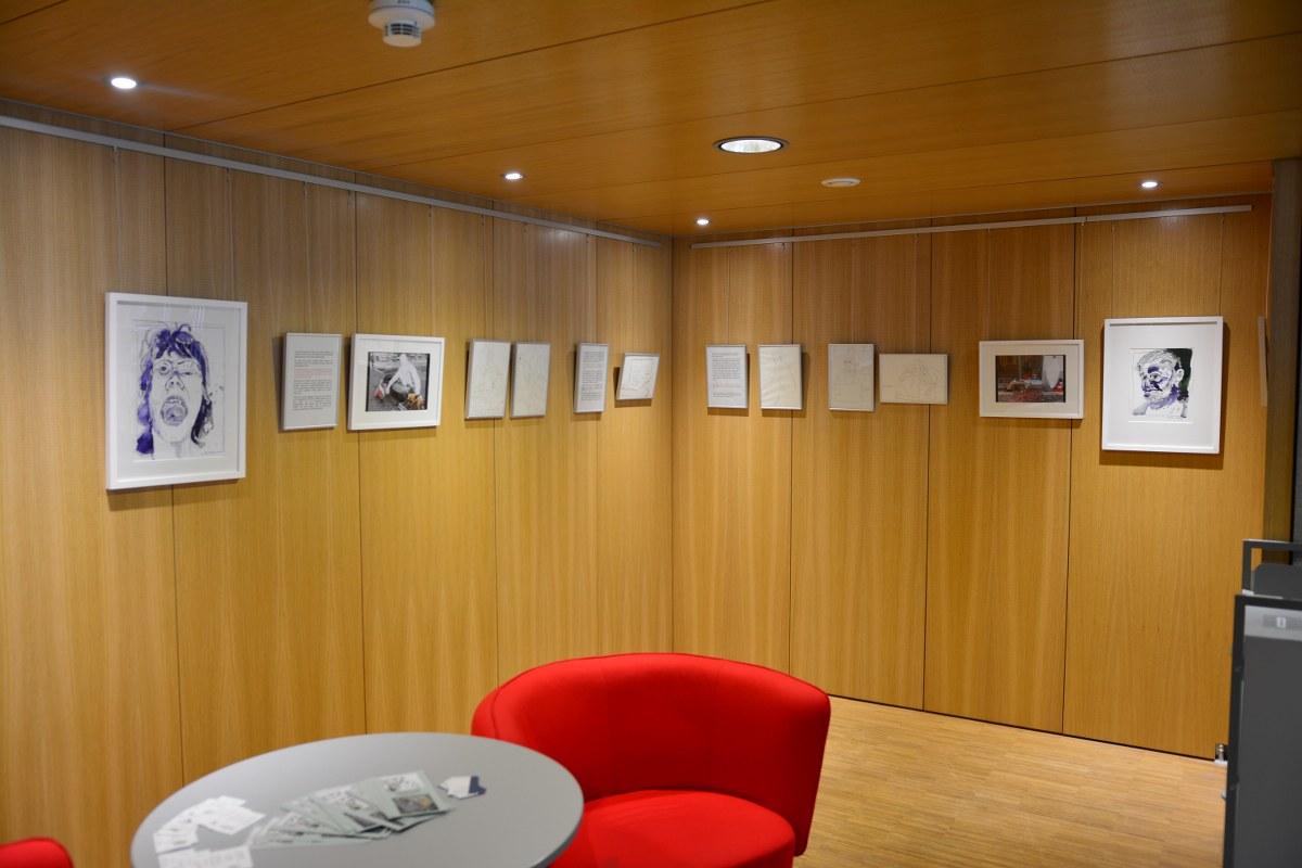 Schiller Bibliothek, Ausstellung Querbrüche Obdachlos, Susanne Haun © Foto von M.Fanke