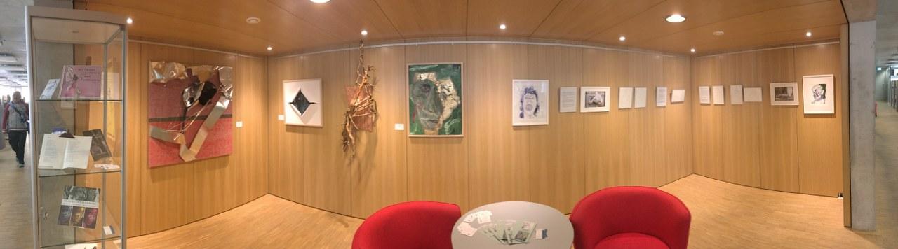 Schiller Bibliothek, Ausstellung Querbrüche Obdachlos, Susanne Haun u. Gabriele D.R. Guenther © Foto von M.Fanke