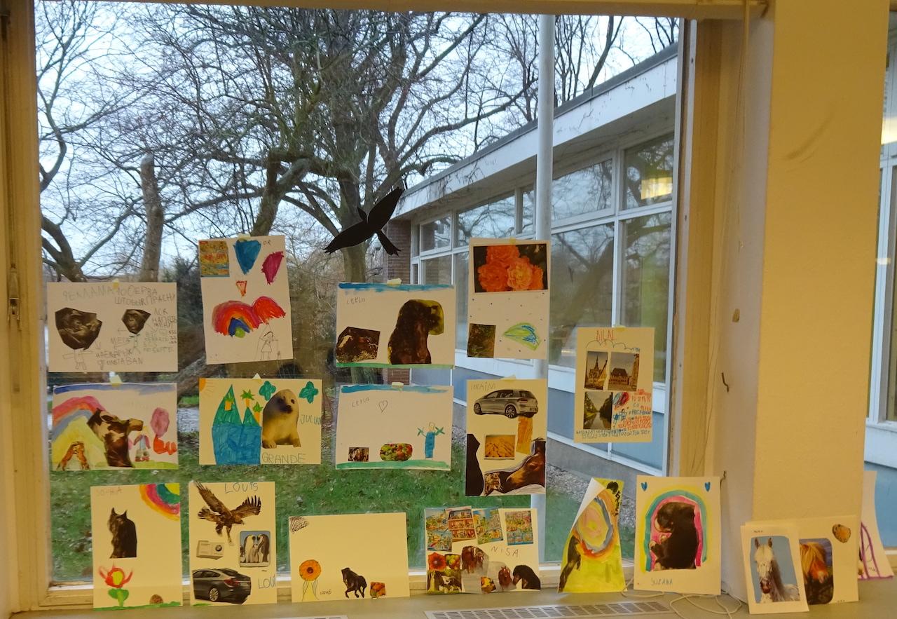 Workshop Collage Eichhoernchenverlag Ausstellung BilderBuchBanden - Foto von Susanne Haun