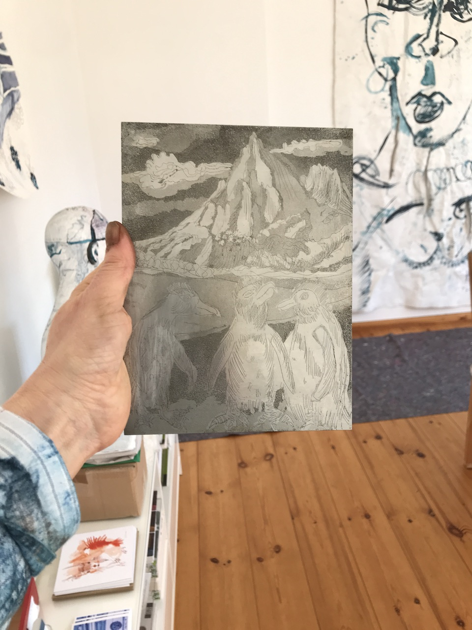 Entstehung Pinguine an der Boulder Beach, 20 x 15 cm, Aquatinta Radierung von Susanne Haun (c) VG Bild-Kunst, Bonn 2020