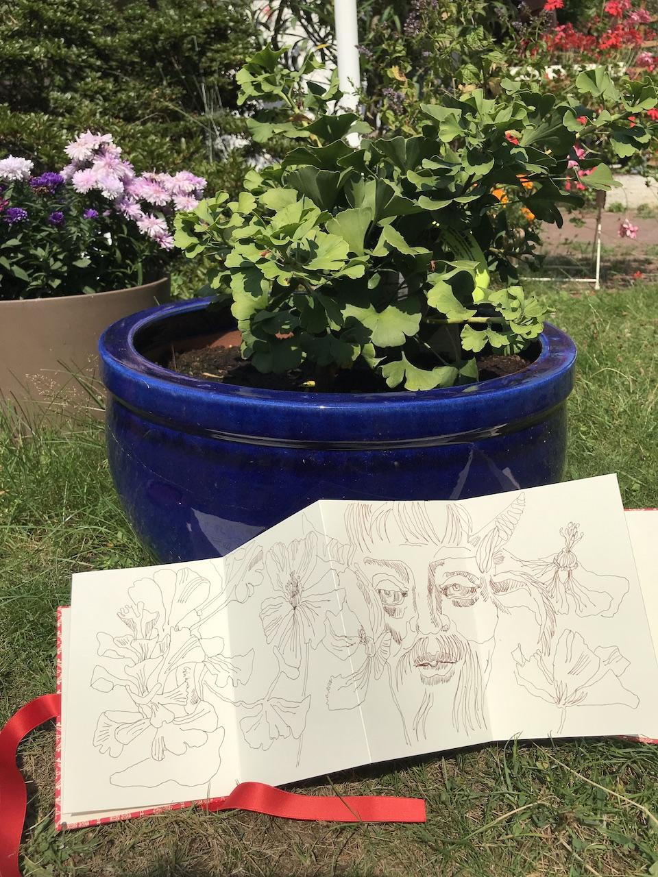 Entstehung Zeichnungen auf Leporello, zeichnung von Susanne Haun (c) VG Bild-Kunst, Bonn 2020